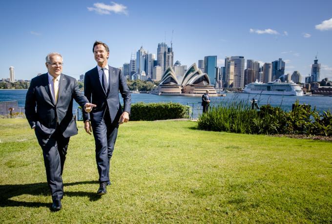 Mark Rutte maakt samen met Australische minister-president Scott Morrison een wandeling in de tuin van het Admiralty House. Foto door Bart Maat.
