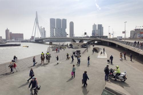 De politie in Rotterdam. Foto door Lars van den Brink