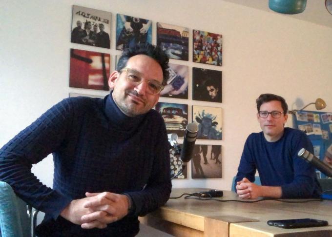 Andreas Terlaak en Bart Maat tijdens het opnemen van de podcastaflevering.